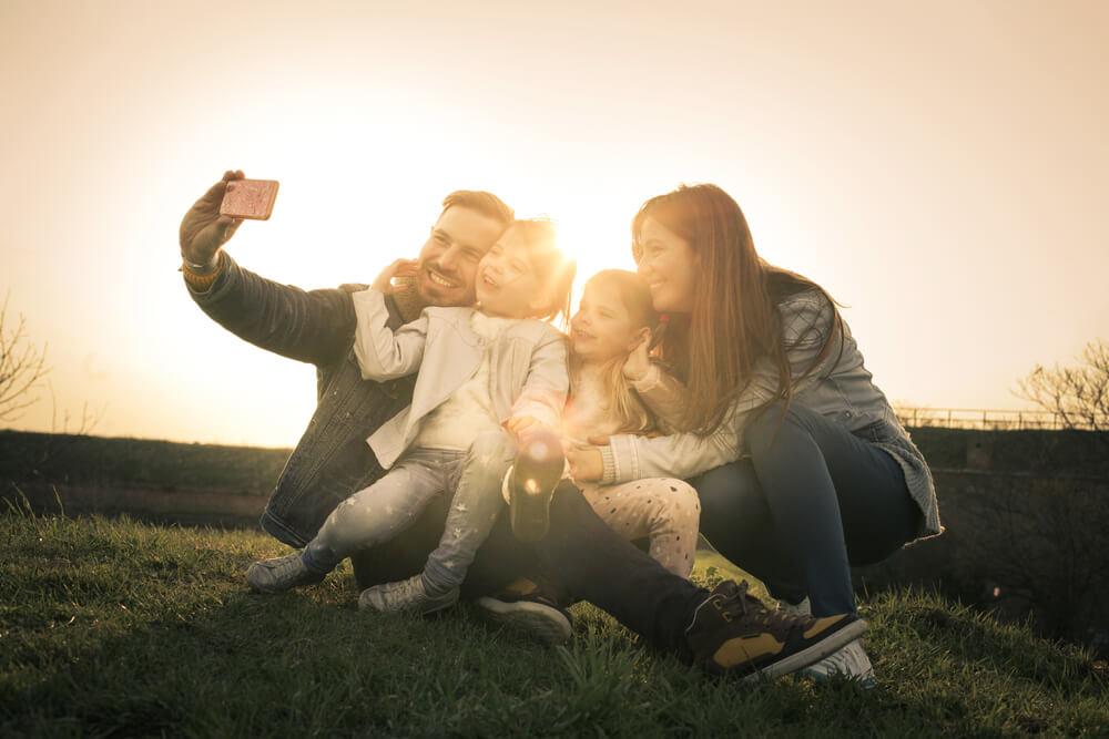 טיפול זוגי קצר משפחה מאושרת